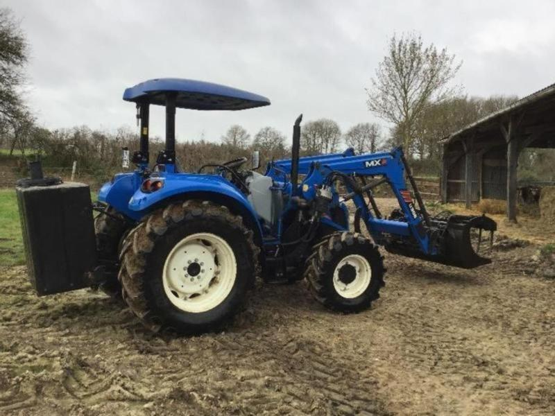 New Holland T475