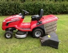 Honda 2315 ride on petrol tractor mower